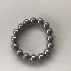 Gray Simulated Pearls Bracelet